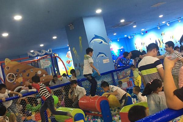 哪个品牌的儿童乐园设备比较好?
