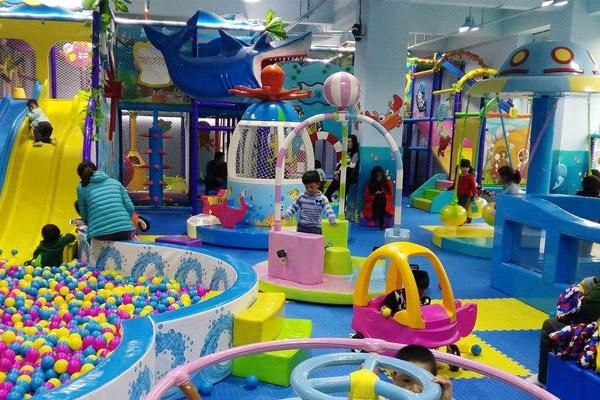 投资一家几十平方的儿童乐园加盟店能赚钱吗?